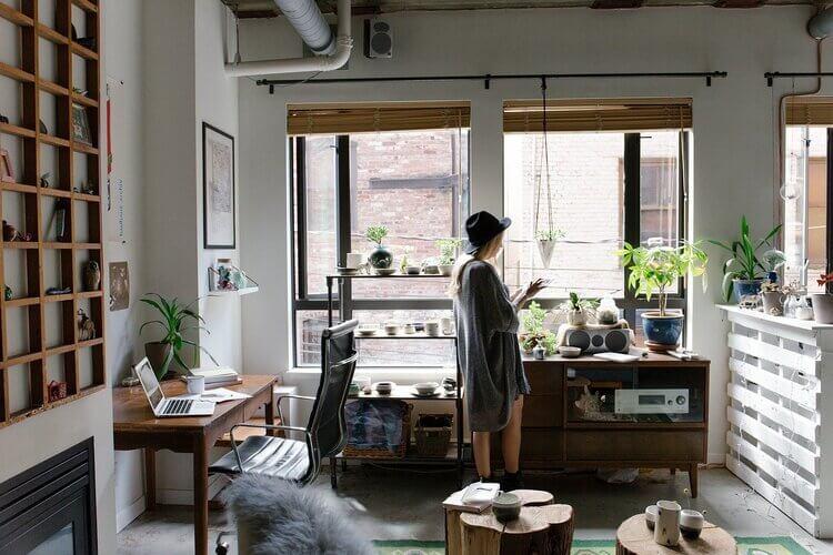 Como aliviar o estresse de trabalhar em casa?
