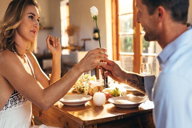 Como montar a mesa de jantar para o Dia dos Namorados