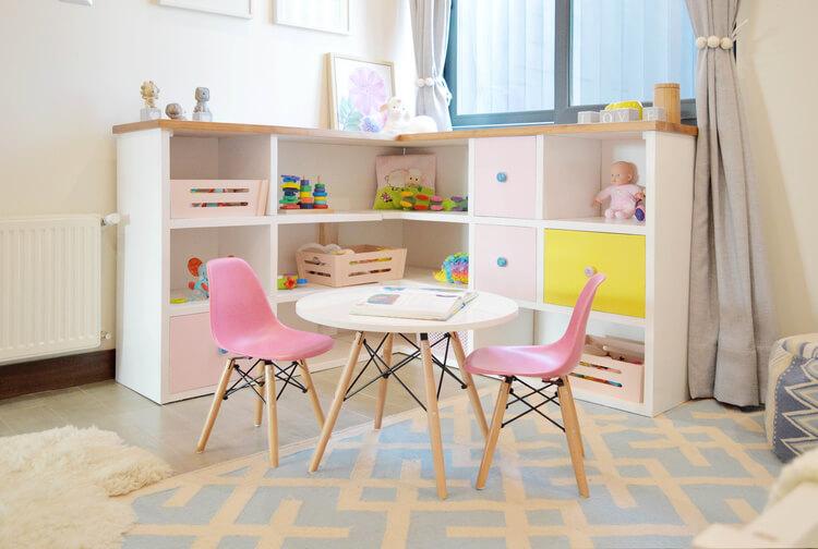 Mesa e Cadeira Eiffel Kids: conjunto moderno e fofo!
