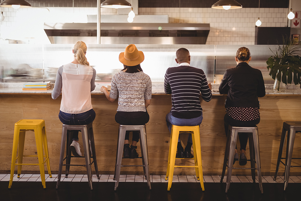 Banqueta tolix: praticidade e elegância para a cozinha e bancadas de sua casa